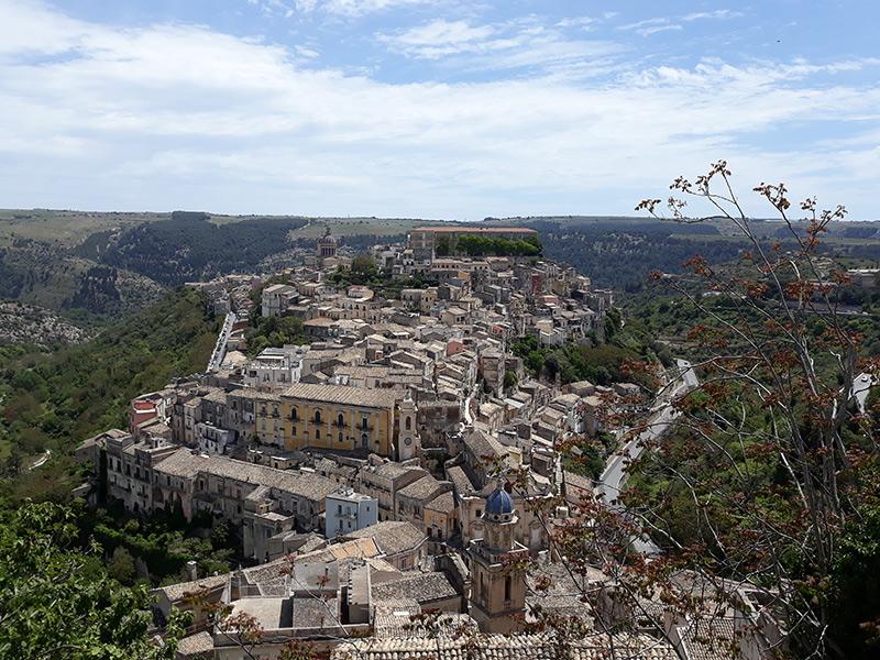 Blick-auf-Ragusa